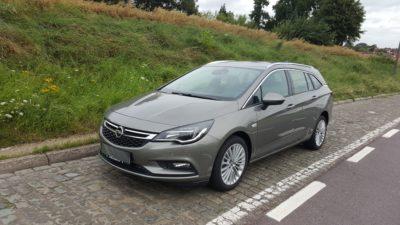 Opel Astra Sport Tourer Front